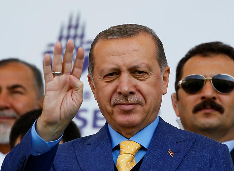 Turkish President Recep Tayyip Erdogan addresses graduating students at the Imam Hatip religious school in Istanbul, May 26, 2017. (Reuters/Murad Sezer)