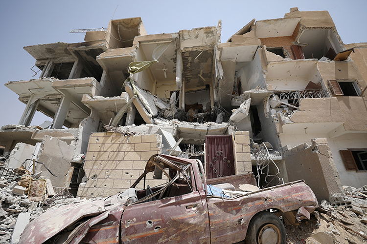 A damaged building is seen in Raqqa, Syria, July 28, 2017. (Reuters/Rodi Said)