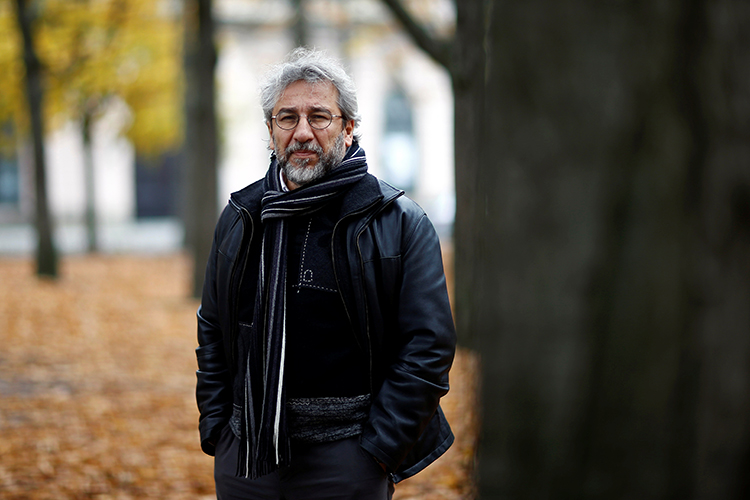 Can Dündar in Berlin, November 4, 2016 (Reuters/Axel Schmidt)