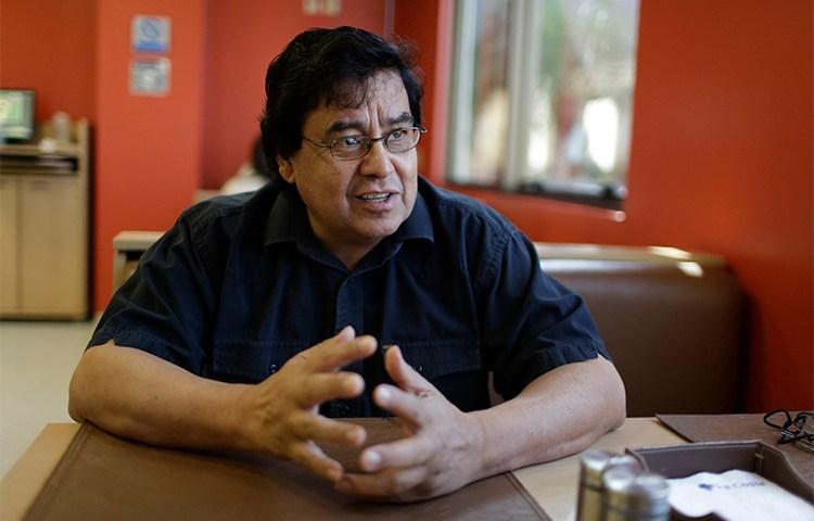 El periodista paraguayo Cándido Figueredo Ruiz, fotografiado en septiembre de 2015. Un juez firmó una orden que le otorgaba la libertad a un presunto narcotraficante que anteriormente había amenazado con asesinar a Figueredo. (AP/Jorge Saenz)