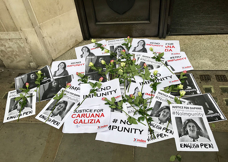 A vigil for Daphne Caruana Galizia, outside Malta House in London, calls for justice in the case of the murdered investigative journalist. (Reporters Without Borders)