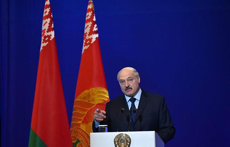 Belarusian President Alexander Lukashenko gives a speech in Minsk on May 24, 2018. CPJ called on the Belarusian parliament to reject proposed laws that could further censor the media in the country. (AFP/Sergei Gapon)
