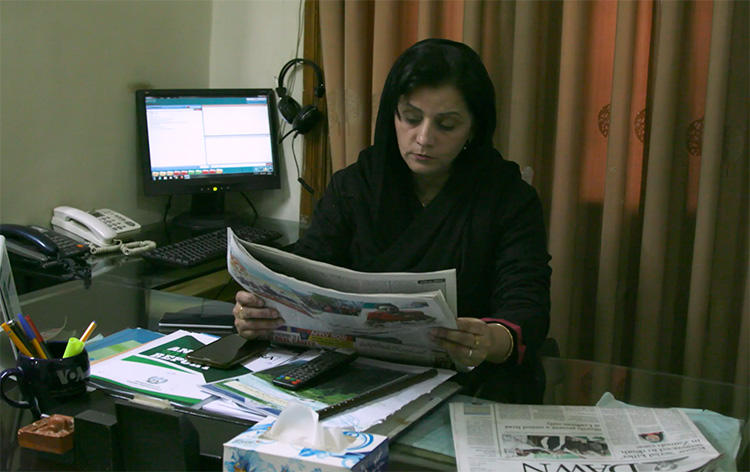 Farzana Ali, Peshawar bureau chief for Aaj TV, says independent journalism is a challenge in Khyber Pakhtunkhwa. (CPJ)