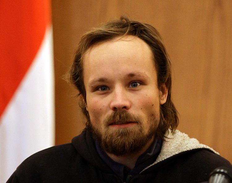 O freelancer alemão Billy Six, retratado após sua libertação da detenção na Síria, em 2013. Six foi detido na Venezuela sob acusações que incluem espionagem. (AFP/Louai Beshara)