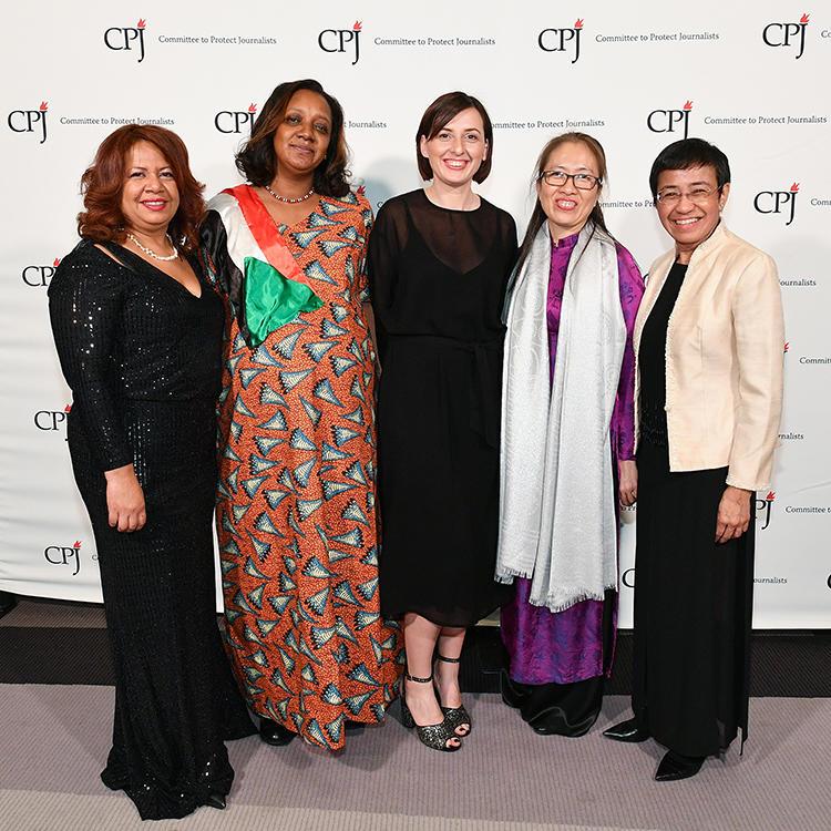 Luz Mely Reyes, Amal Habbani, Anastasiya Stanko, Nguyen Ngoc Nhu Quynh, and Maria Ressa. (Getty Images/Dia Dipasupil)