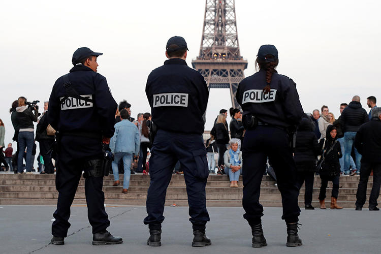 Police patrol in Paris, France, on April 21, 2017. Police recently responded to disruptions and a power outage at an event in Paris on press freedom in Morocco. (Charles Platiau/Reuters)
