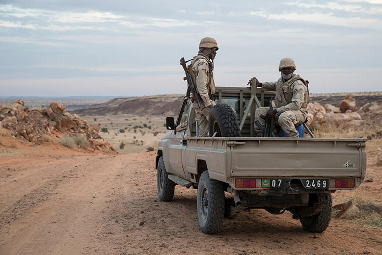 Soldiers of the Mauritanian Army are pictured on an off-road vehicle on November 19, 2018. Two bloggers have been detained in the country on false news charges. (Thomas Samson/AFP)