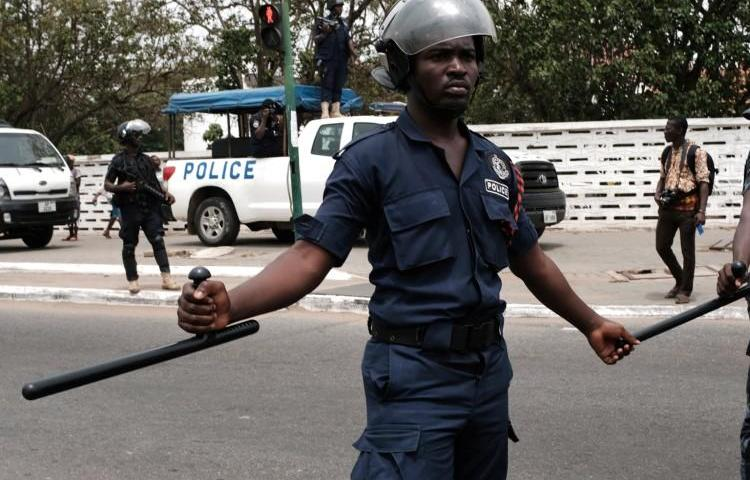 Police officers are seen in Ghana's capital, Accra, on March 28, 2018. Several officers were recently suspended in Accra after allegedly assaulting reporters from the local Ghanaian Times. (Francis Kokoroko/Reuters)