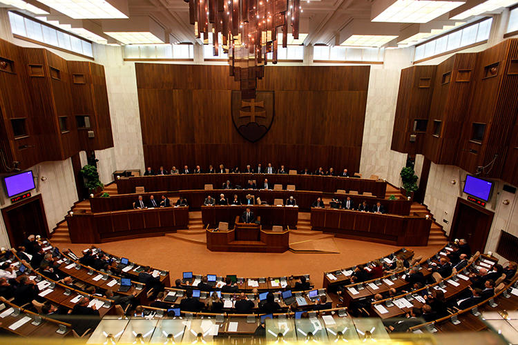 The Slovak Parliament is seen on October 11, 2011. CPJ calls on the country not to pass an amendment to its press law that would require publications to feature replies to their coverage by politicians and public officials. (Petr Josek/Reuters)