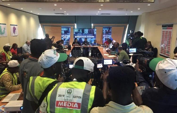 Journalists in Abuja gather at a press briefing at the Civil Society Situation Room, which collected information from thousands of election observers, including on attacks against the press. (Jonathan Rozen/CPJ)