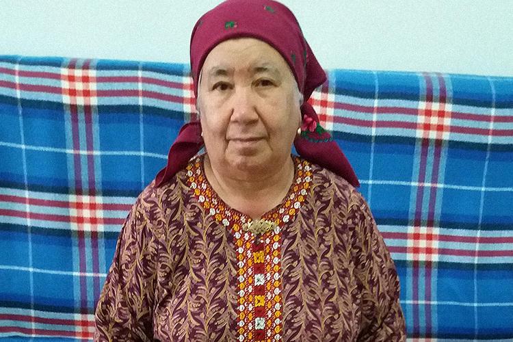 Soltan Achilova, as seen in November 2017 in her house in Ashgabat, Turkmenistan. The journalist was recently barred from leaving Turkmenistan. (Photo: CPJ via Khronika Turkmenistana)