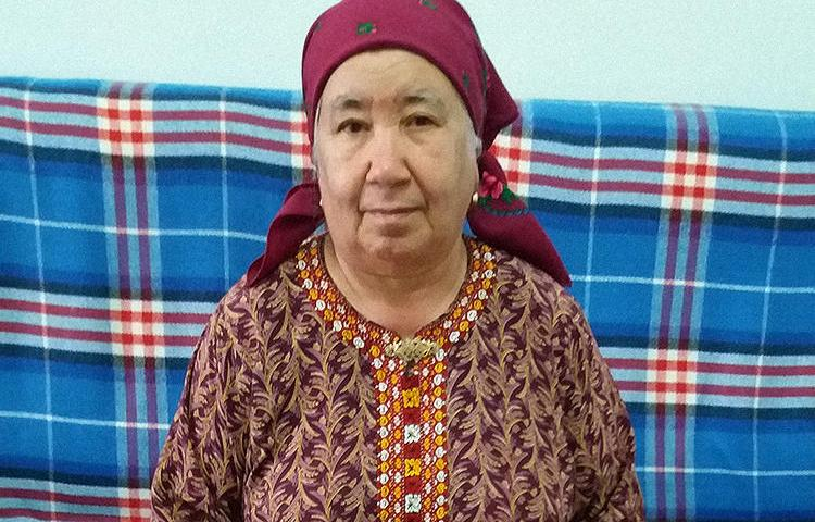 Soltan Achilova, as seen in November 2017 in her house in Ashgabat, Turkmenistan. The journalist was recently barred from leaving Turkmenistan. (Photo: CPJ via Khronika Turkmenistana)