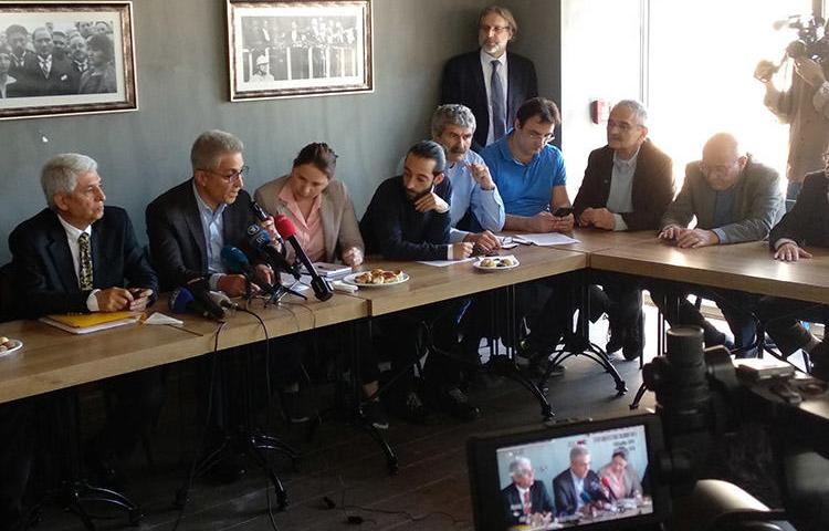Lawyers and former employees of the Turkish daily, Cumhuriyet, pictured at a press conference in Istanbul on April 22. Six of the former staff handed themselves over to prison authorities today. (CPJ/Özgür Öğret)
