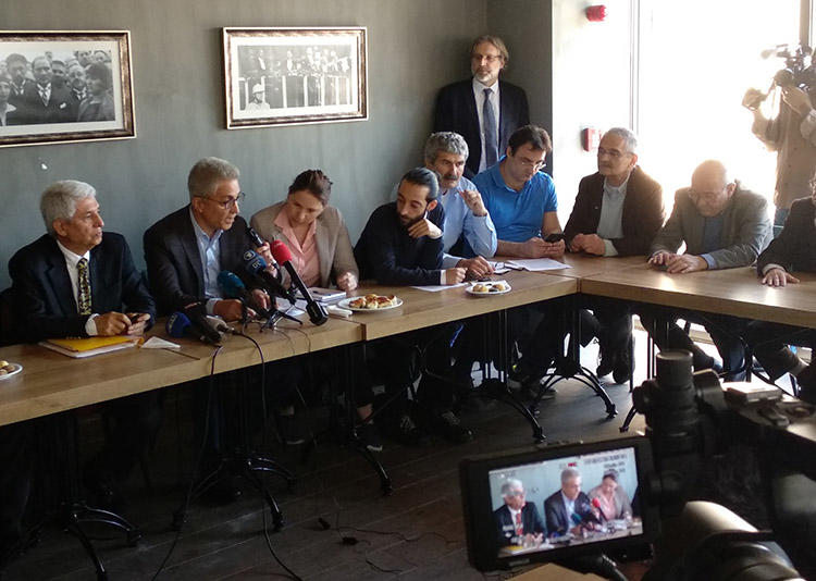 Lawyers and former employees of the Turkish daily, Cumhuriyet, pictured at a press conference in Istanbul on April 22. The lawyers discussed the legal action taken against the paper's staff. (CPJ/Özgür Öğret)