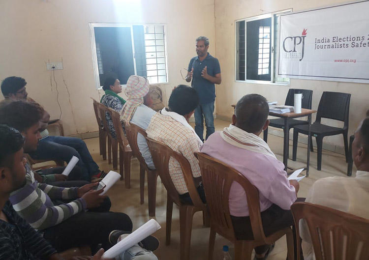 Senior journalist Kamal Shukla discusses challenges for the press in Bijapur. (CPJ)