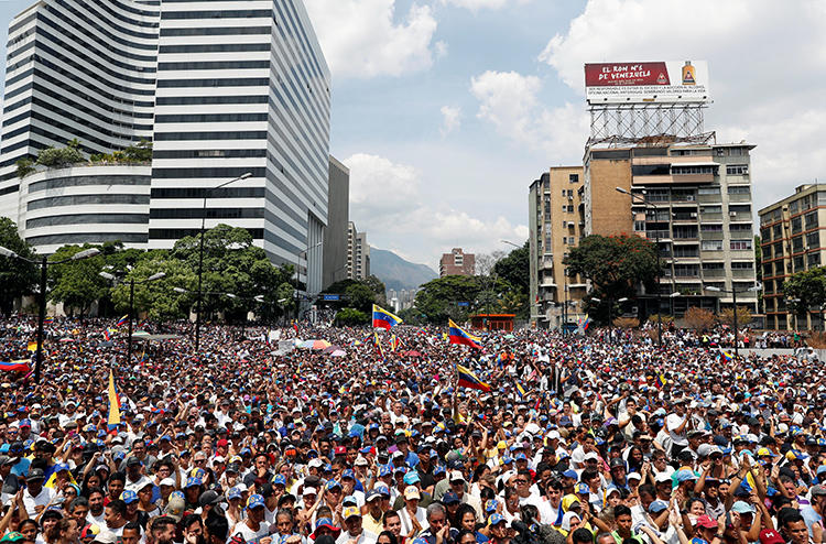 Supporters of Venezuelan opposition leader Juan Guaido attend a rally in Caracas on May 1, 2019. (Reuters/Carlos Garcia Rawlins)