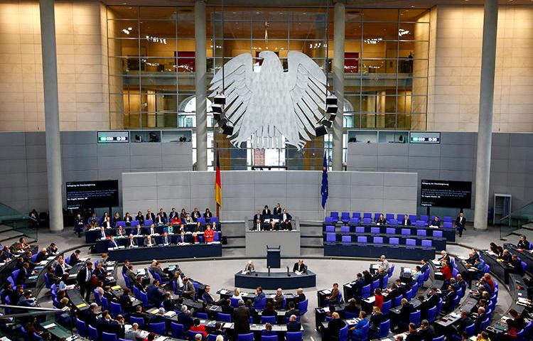 The Bundestag is seen in Berlin, Germany, on December 12, 2018. A piece of draft legislation would make it easier for intelligence services to surveil journalists and their sources. (Reuters/Fabrizio Bensch)