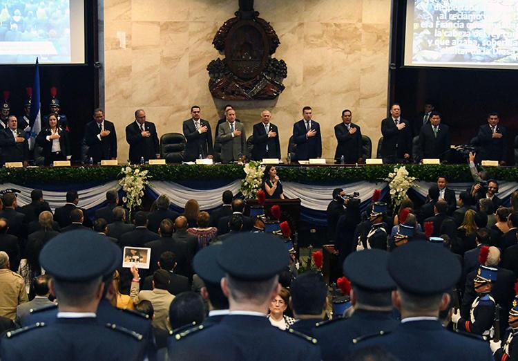 Imagen del Congreso Nacional de Honduras, en Tegucigalpa, el 25 de enero de 2018. El congreso recientemente anunció que eliminaría el delito de difamación del código penal del país. (AFP/Orlando Sierra)