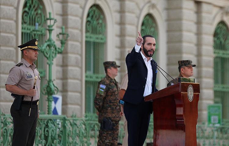 El Presidente de El Salvador Nayib Bukele en San Salvador, el 29 de julio de 2019.  Dos medios de periodismo de investigación fueron impedidos de participar en la conferencia de prensa en la residencia presidencial. (Reuters/Jose Cabezas)