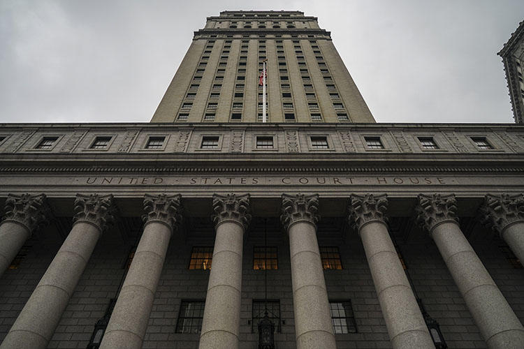 The Thurgood Marshall United States Courthouse, which hears cases from the U.S. District Court for the Southern District of New York and U.S. Court of Appeals for the Second Circuit, stands in lower Manhattan, New York City. Journalists in the U.S. and Canada say threats of lawsuits can affect every level of the reporting process. (Drew Angerer/Getty Images/AFP)