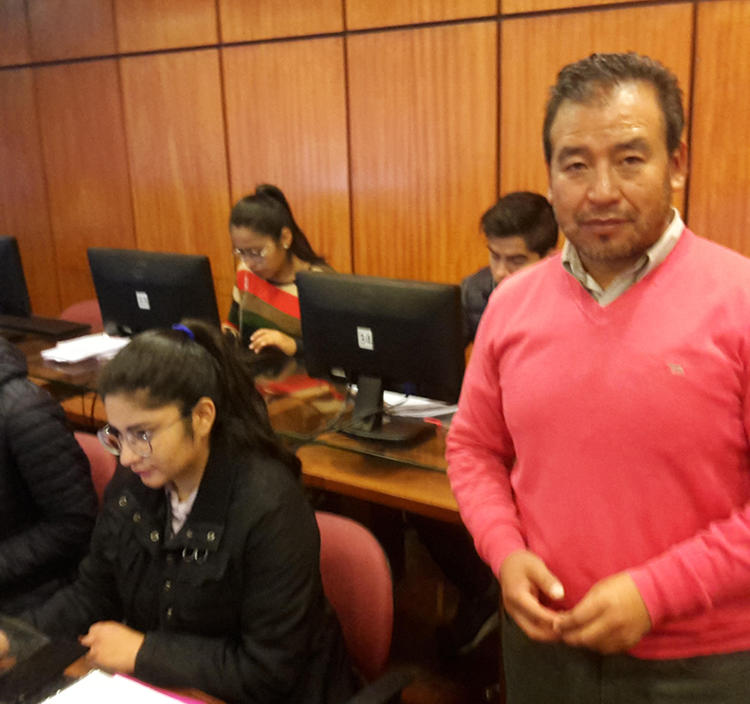 Andrés Gómez, one of Bolivia's best-known radio journalists, now teaches at a university in La Paz. (CPJ/John Otis)