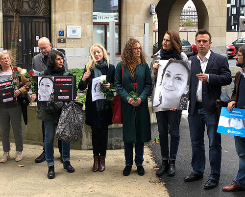 CPJ's EU representative, Tom Gibson, stands with representatives of the European Commission, European Federation of Journalists, Reporters Without Borders, Article 19, European Parliament, and Transparency International at a vigil in Brussels for slain journalist Daphne Caruana Galizia. (Photo courtesy of the office of European Parliament Member Roberta Metsola.)
