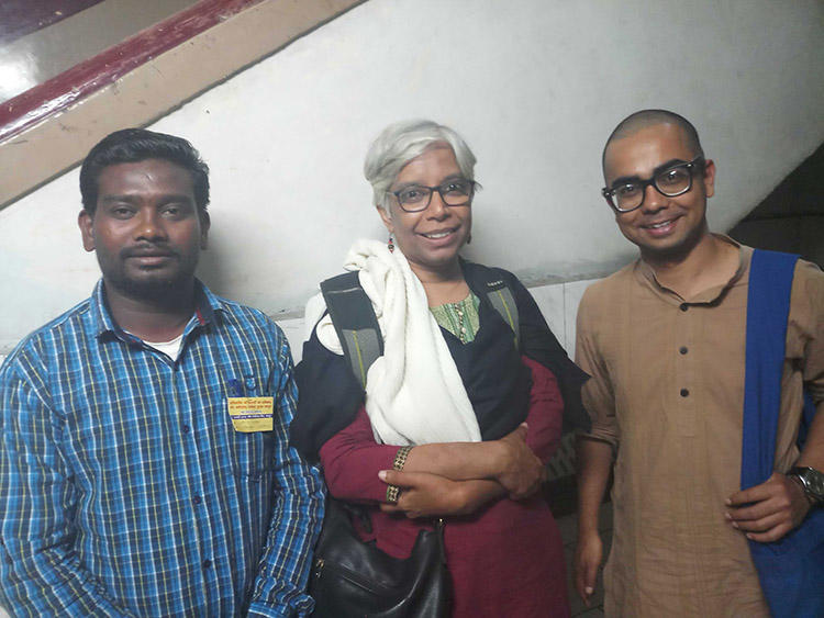 Freelance journalist Santosh Yadav, left, with human rights defender Shalini Gera and CPJ India Correspondent Kunal Majumder, during a convention on journalist safety in Raipur, Chhattisgarh, in February 2019. A court on January 2 acquitted Yadav of several charges, ending a four-year legal battle. (CPJ)