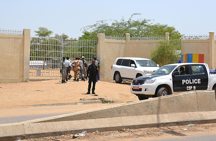 Police forces are seen in N'Djamena, Chad, on June 15, 2015. Police recently arrested journalist Ali Hamata Achène for alleged defamation and contempt of court. (AFP/Brahim Adji)