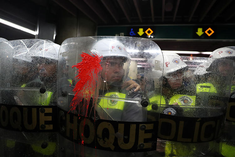 Police officers are seen in Sao Paulo, Brazil, on January 7, 2020. Amid recent protests, police have detained and attacked journalists. (Reuters/Amanda Perobelli)