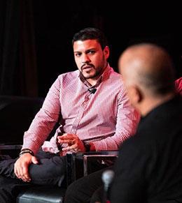 Víctor Rodríguez-Velázquez, periodista y becado de Report for America. (Photo: Angélica Serrano)