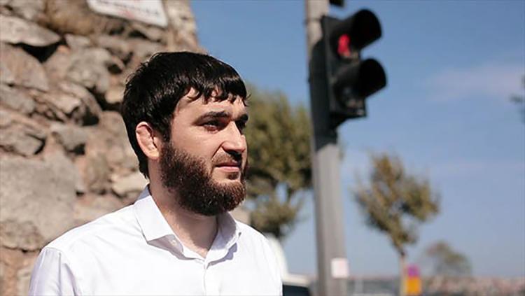 На днях были выдвинуты новые обвинения против редактора газеты «Черновик» Абдулмумина Гаджиева, который содержится под стражей с июня 2019 года. (Черновик)