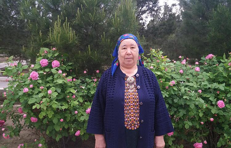 Туркменская фотожурналистка Солтан Ачилова в Ашхабаде. (Фото: Солтан Ачилова)