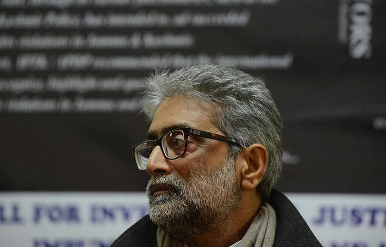 Indian journalist Gautam Navlakha is seen in Srinagar on December 6, 2012. The Indian Supreme Court recently ordered Navlakha to turn himself in to a prison, which he said he fears due to the ongoing COVID-19 pandemic. (AFP/Tauseef Mustafa)
