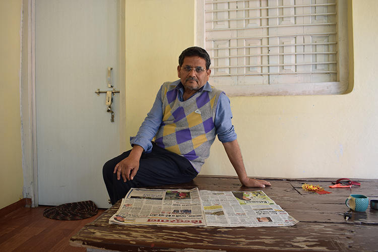 CPJ met Krishna Kumar Singh, a journalist with Hindi daily Hindustan, at his home in Mirzapur. Singh was attacked by a mob in September 2019. He alleges the police took six hours to file a complaint. (Somi Das)