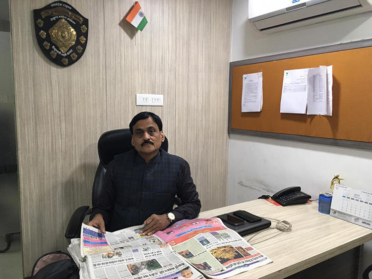 CPJ met Vijay Vineet, news editor of Hindi daily Jansandesh Times, in Varanasi. The newspaper has been fighting multiple legal battles with the administration over its reporting. (Somi Das)