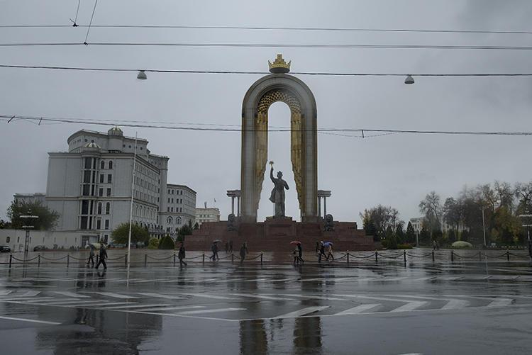 Душанбе (Таджикистан )2 ноября 2015 г. Журналист Авазмад Гурбатов недавно был избит неизвестными в Душанбе. (Агентство Франс-Пресс/Брендан Смиаловски)