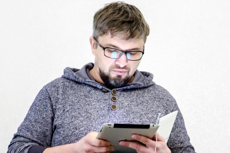 Апелляция журналиста Наримана Мемедеминова должна быть рассмотрена российским военным судом. (фото: Крымская солидарность)