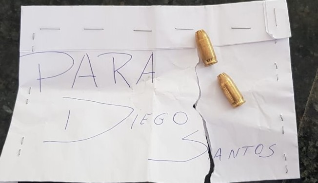 Brazilian journalist Diego Santos receives envelope with threat and bullets